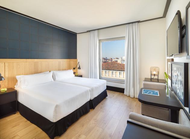 Hotel H10 Puerta De Alcalá thumb-3