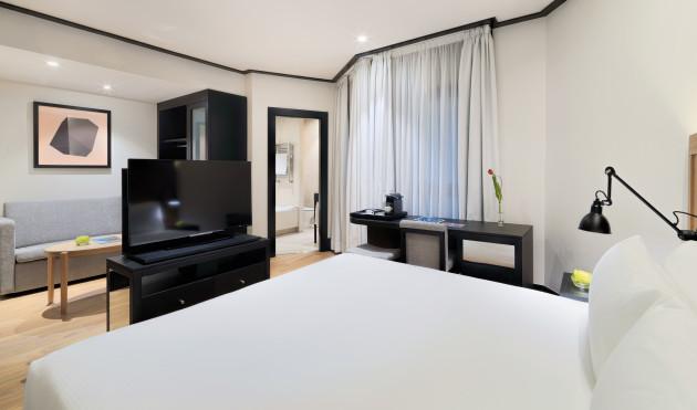 Hotel H10 Puerta De Alcalá thumb-2