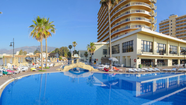 Marconfort beach club hotel all inclusive hotel for Piscina torremolinos