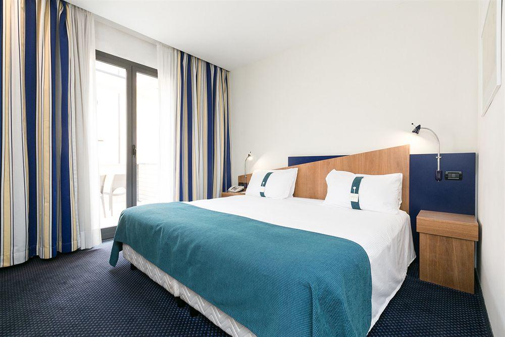 Hotel Holiday Inn Express Rome - San Giovanni thumb-2