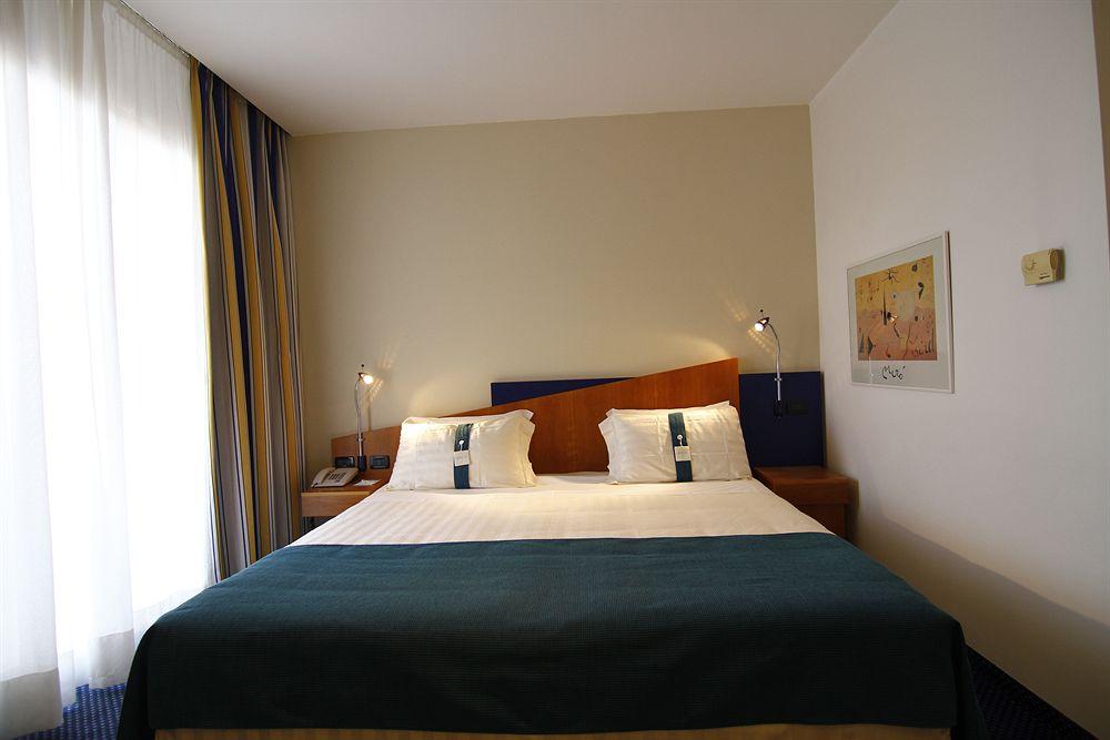 Hotel Holiday Inn Express Rome - San Giovanni thumb-3