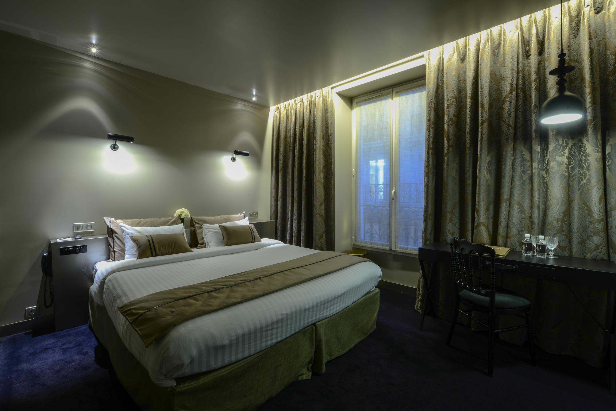hotel eugene en ville en paris desde 108 rumbo. Black Bedroom Furniture Sets. Home Design Ideas