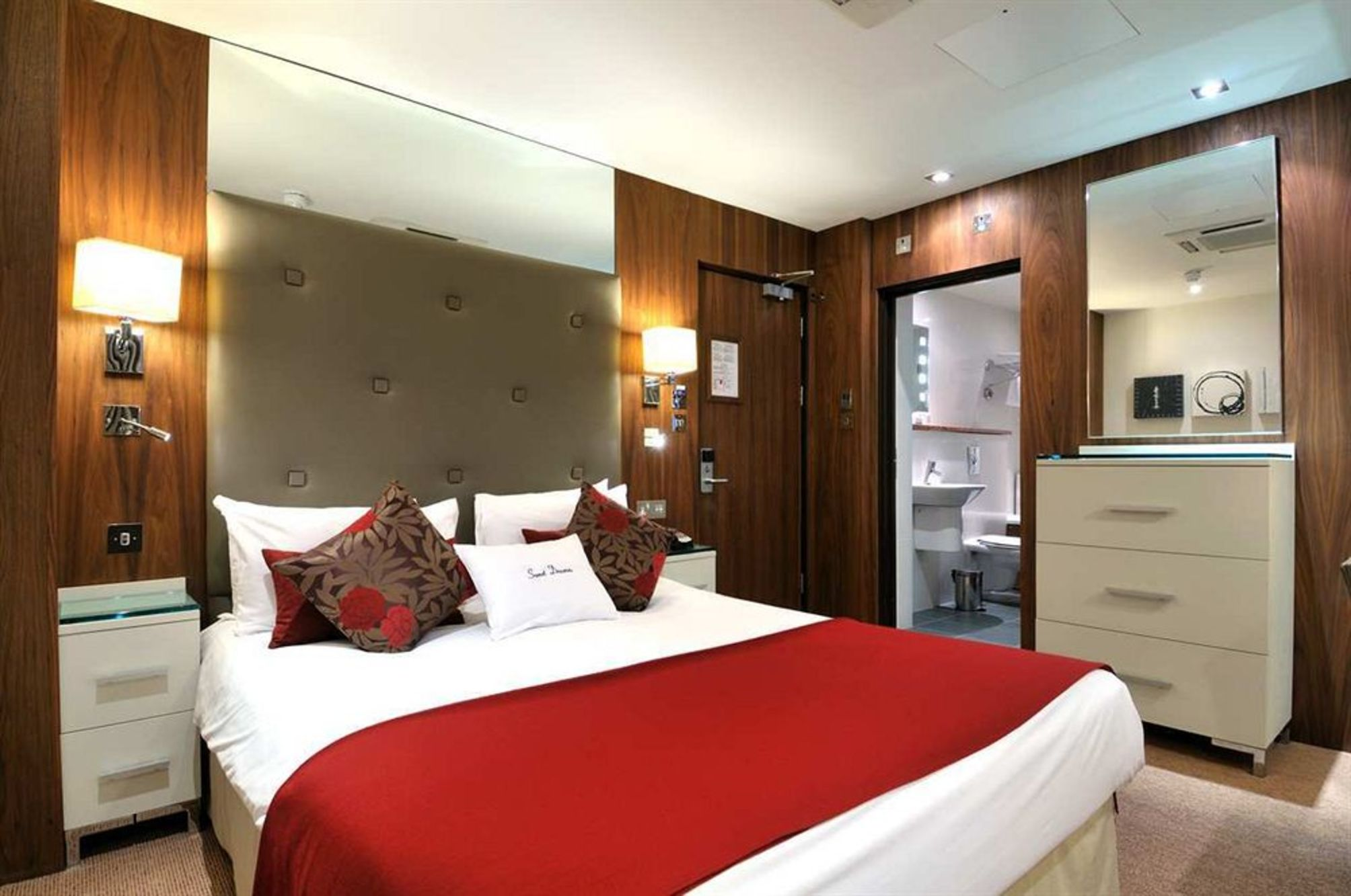 Hotel doubletree by hilton london west end em londres for Hotel w londres