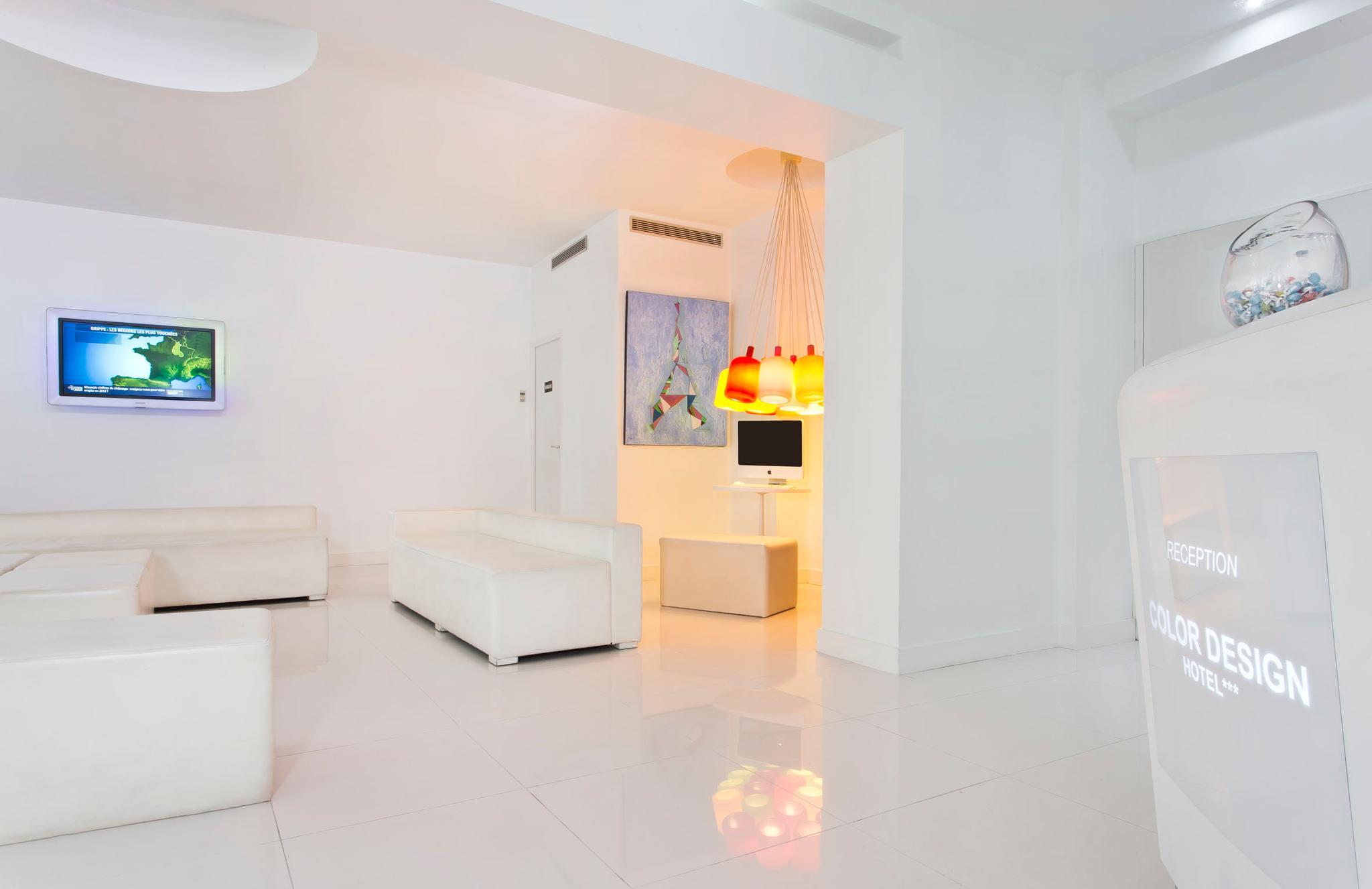 Hotel color design em paris desde 73 rumbo for Color design paris