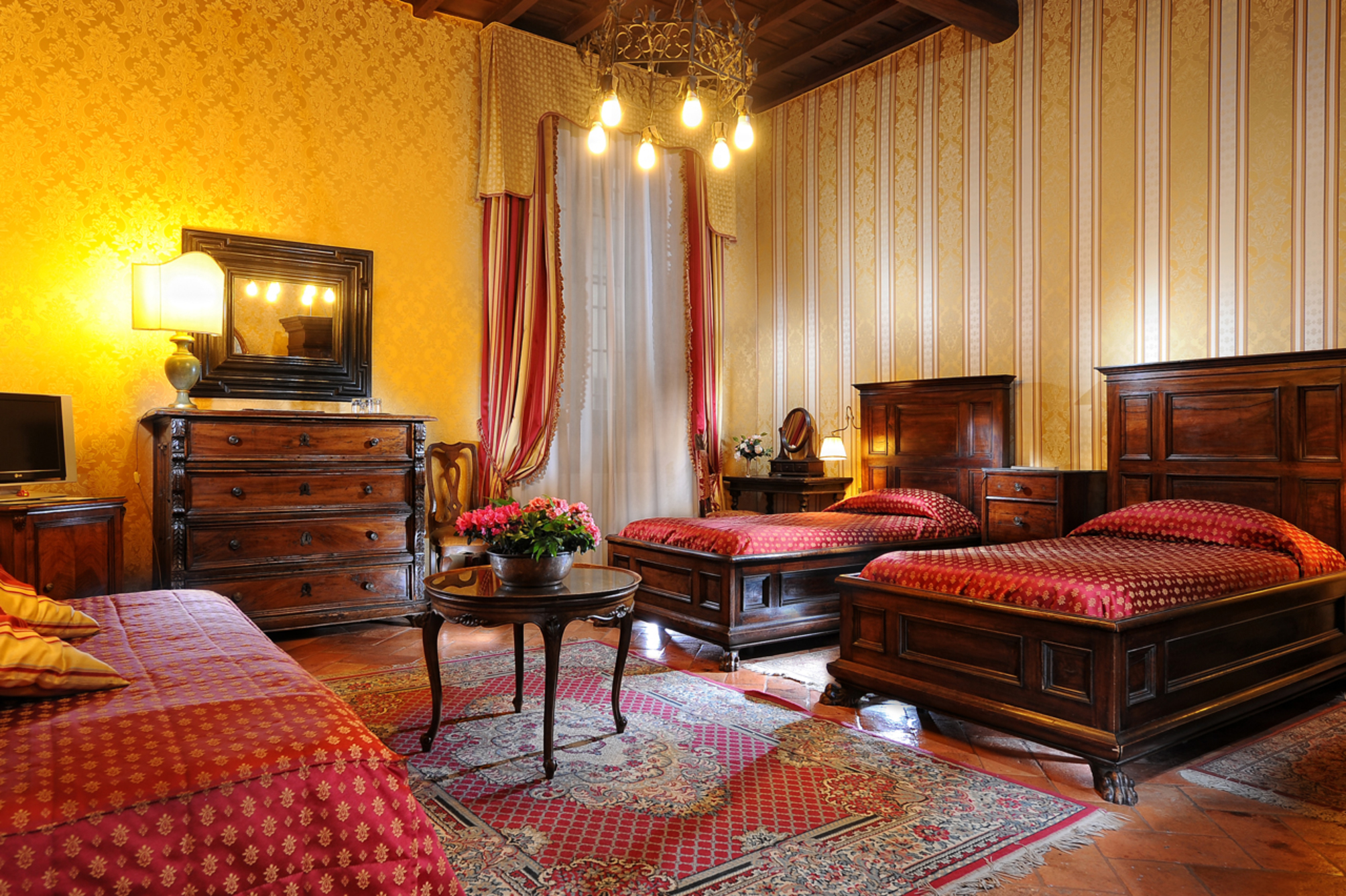 hotel monna lisa en florencia desde 71 rumbo. Black Bedroom Furniture Sets. Home Design Ideas
