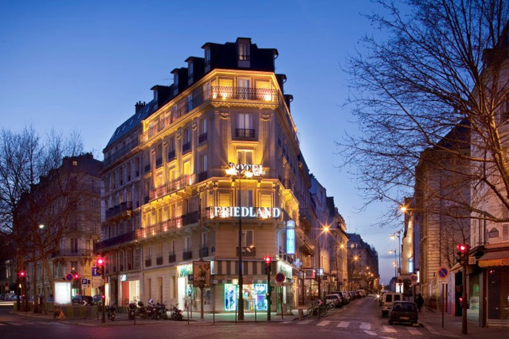 Hotel best western champs elysees friedland em paris desde for Hotel best western paris