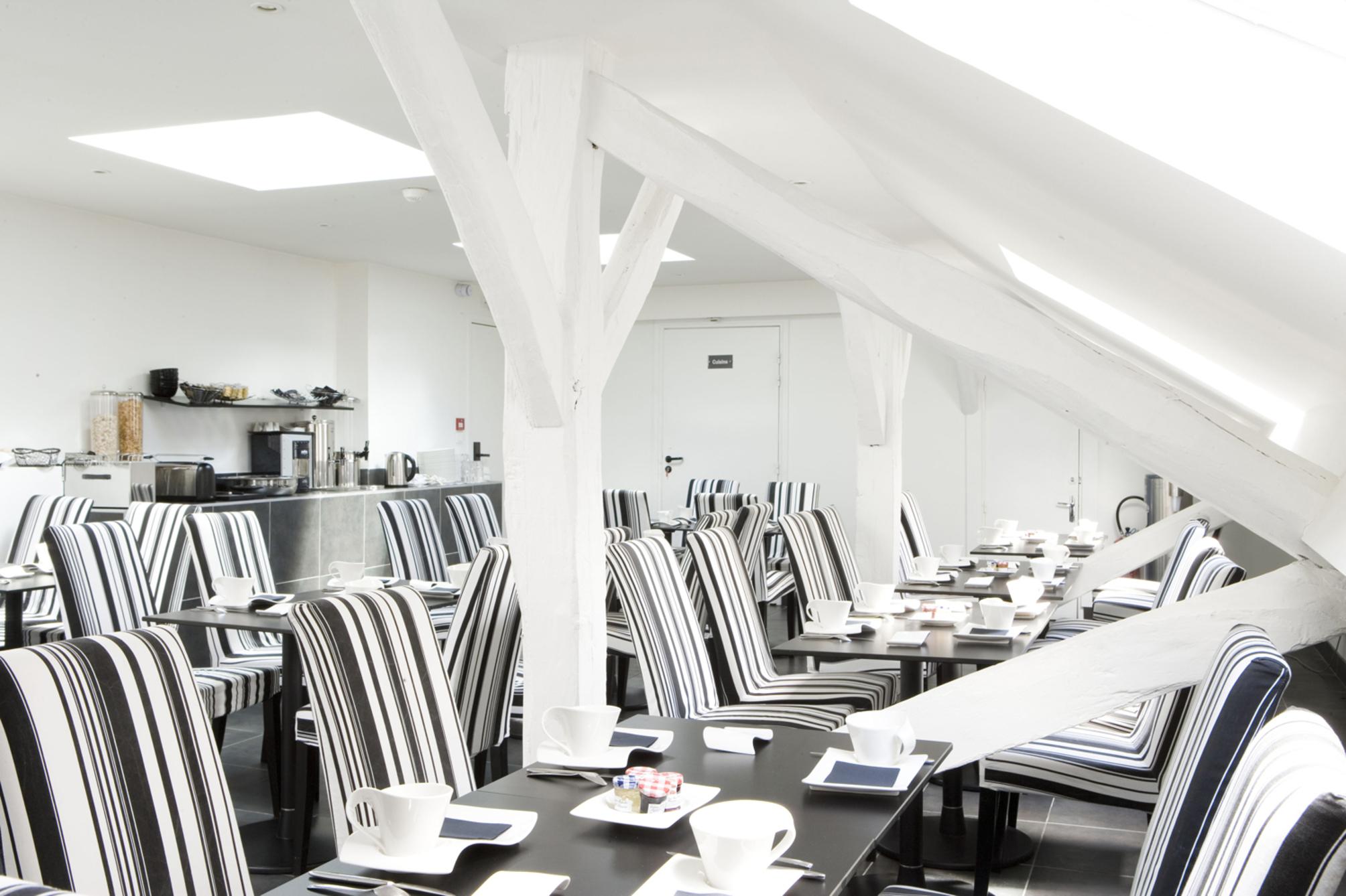 Hotel standard design em paris desde 66 rumbo for Hotel standard design