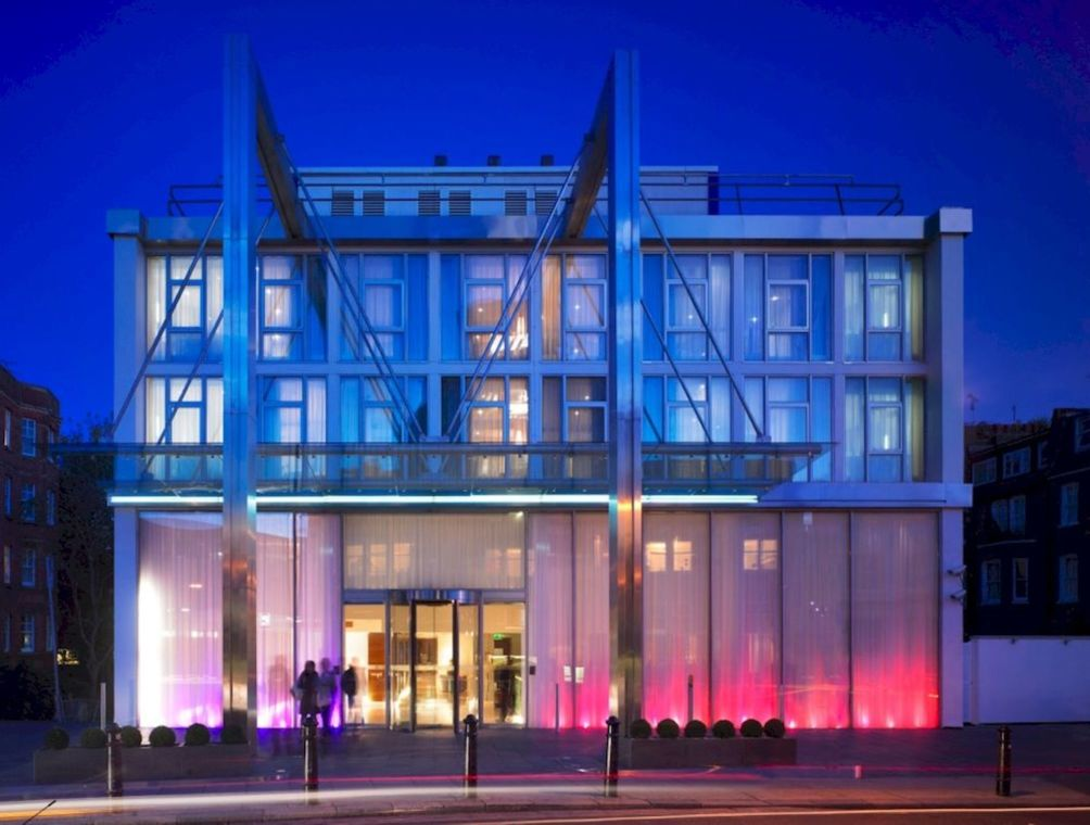 Hilton london kensington hotel london from 82 for Boutique hotel 54 london