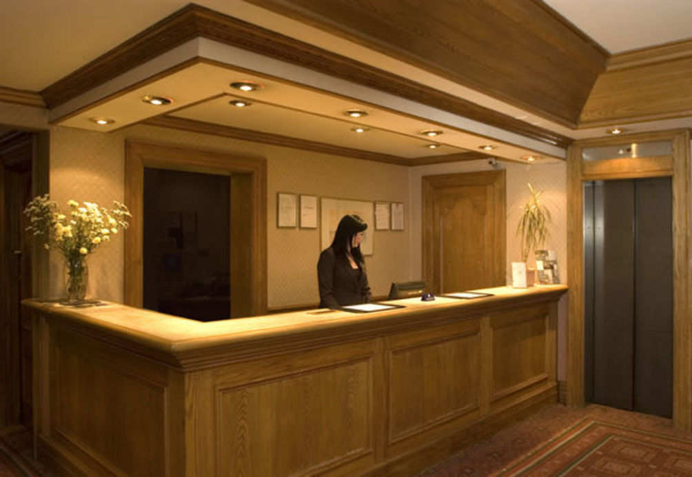 HotelStrathdon Hotel