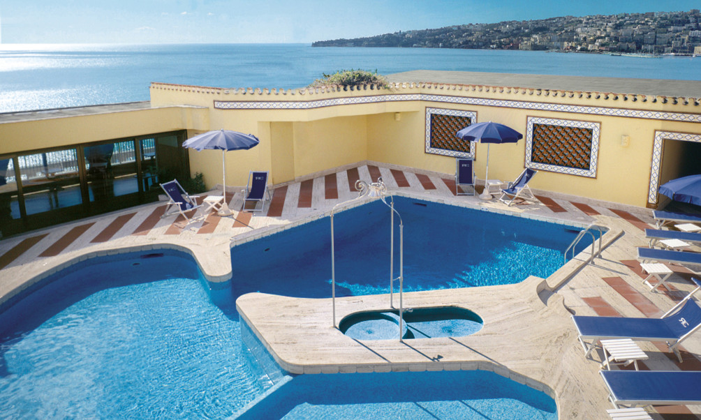 HotelHotel Royal Continental - luxury on the seafront!