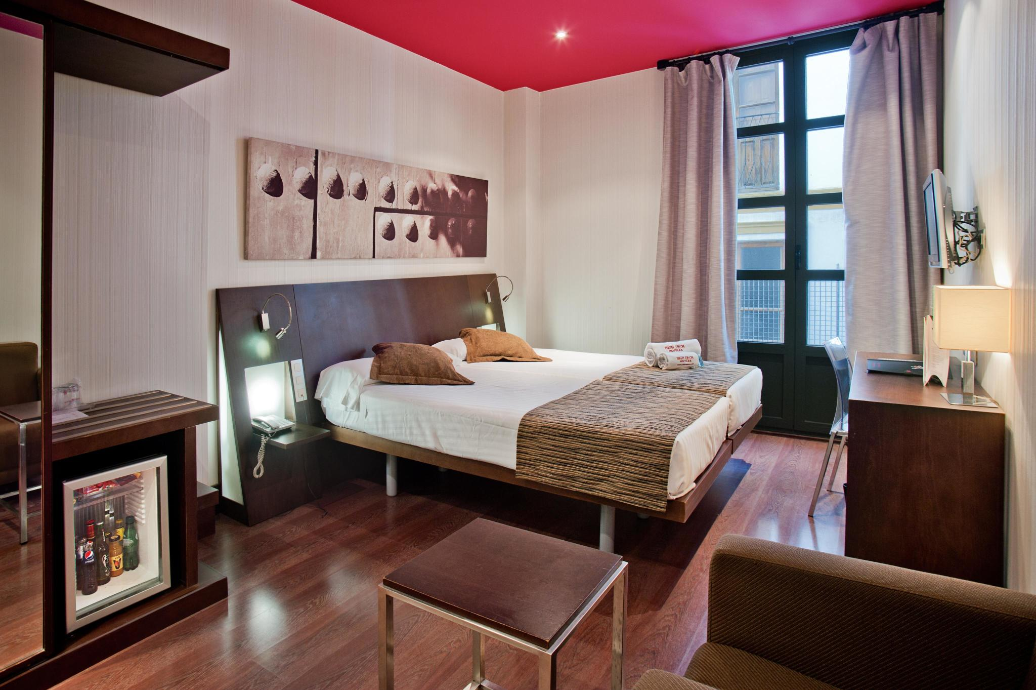 Hotel Petit Palace Marqués Santa Ana thumb-4