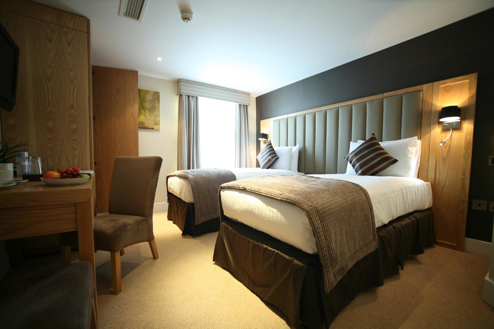 Last minute hotel london top secret wroc awski for Hotel last minute