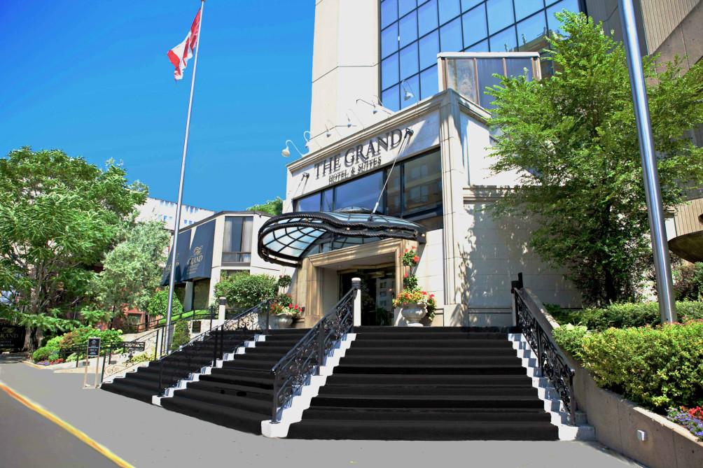 Hotel Grand Hotel and Suites Toronto