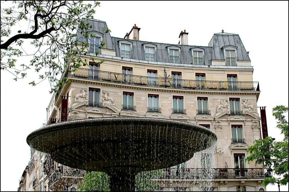 Villa royale hotel paris from 100 for Villa royale