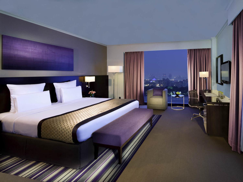 Pullman dubai creek city centre hotel dubai from 102 for Hotels in dubai city