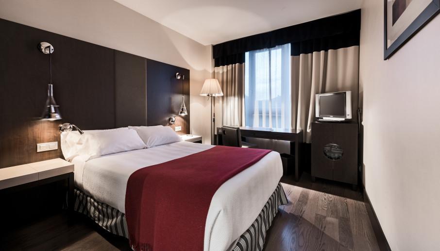 Hotel NH Bálago