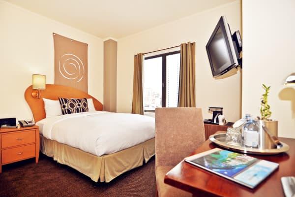 Hotel Metropolis thumb-2