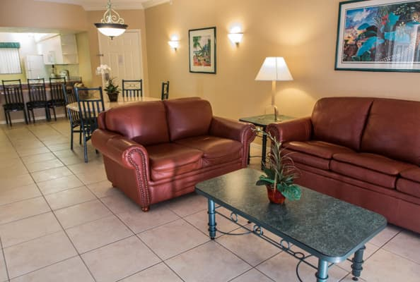 Hotel westgate lakes resort and spa international falls for Living room 983