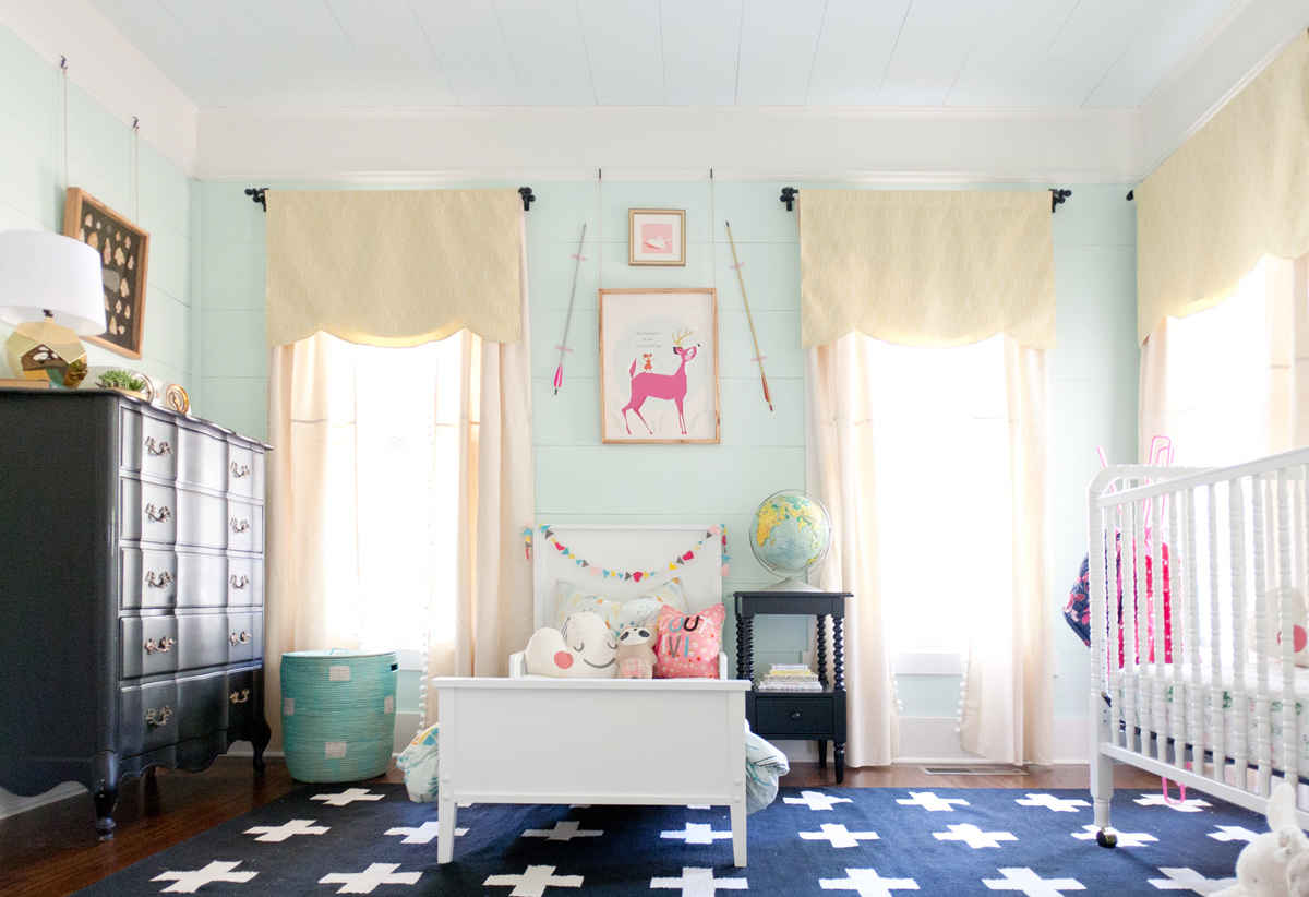 Shared room inspiration lay baby lay lay baby lay for Room inspiration bedroom