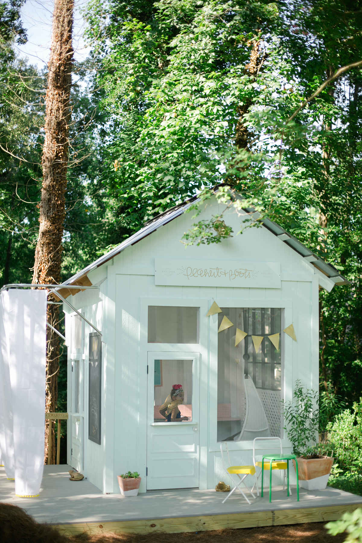 1000 images about tree houses cubbie houses and play for Playhouse sheds