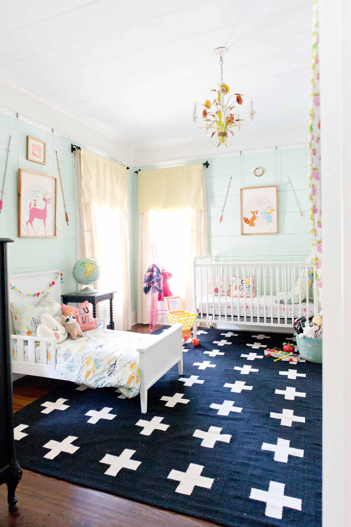 Shared room inspiration lay baby lay lay baby lay for Bedroom inspiration apartment therapy