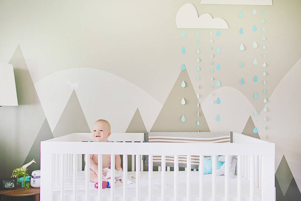 Nursery inspiration baby room ideas lay baby lay for Baby nursery wall mural