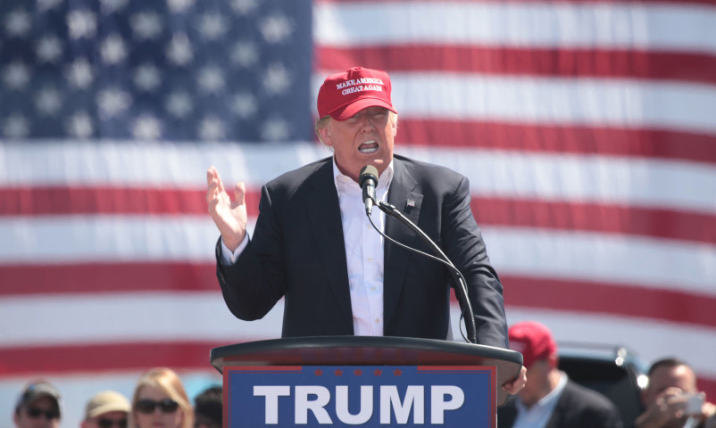 Trump puts brakes on US withdrawal from NAFTA