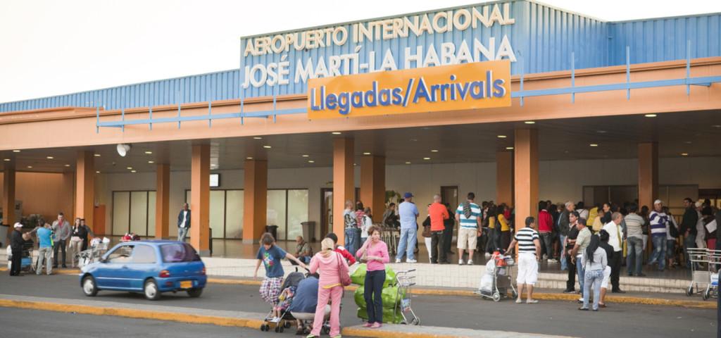 Trump safeguards flights between US and Cuba