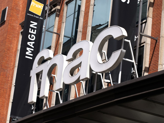 France investigates tardy Fnac/Darty divestitures