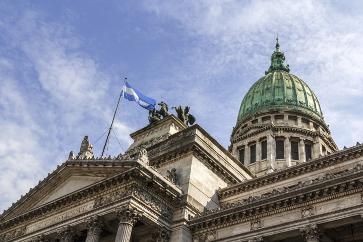 Davis Polk, White & Case, Marval and Pérez Alati in landmark Argentine IPO
