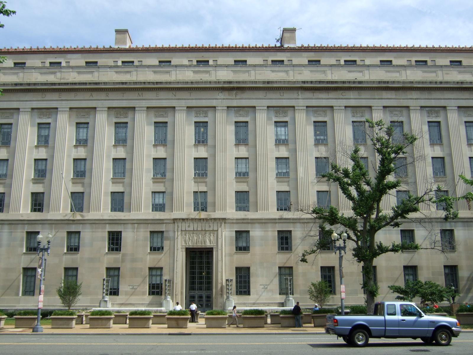 Senior prosecutor leaves DOJ's foreign bribery unit, ex-SEC official joins