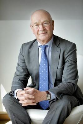 Van Houtte quits Hague tribunal