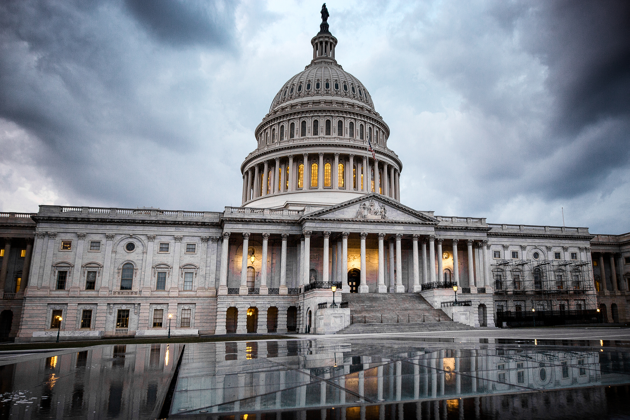 US senators propose overhaul of outdated communications storage laws