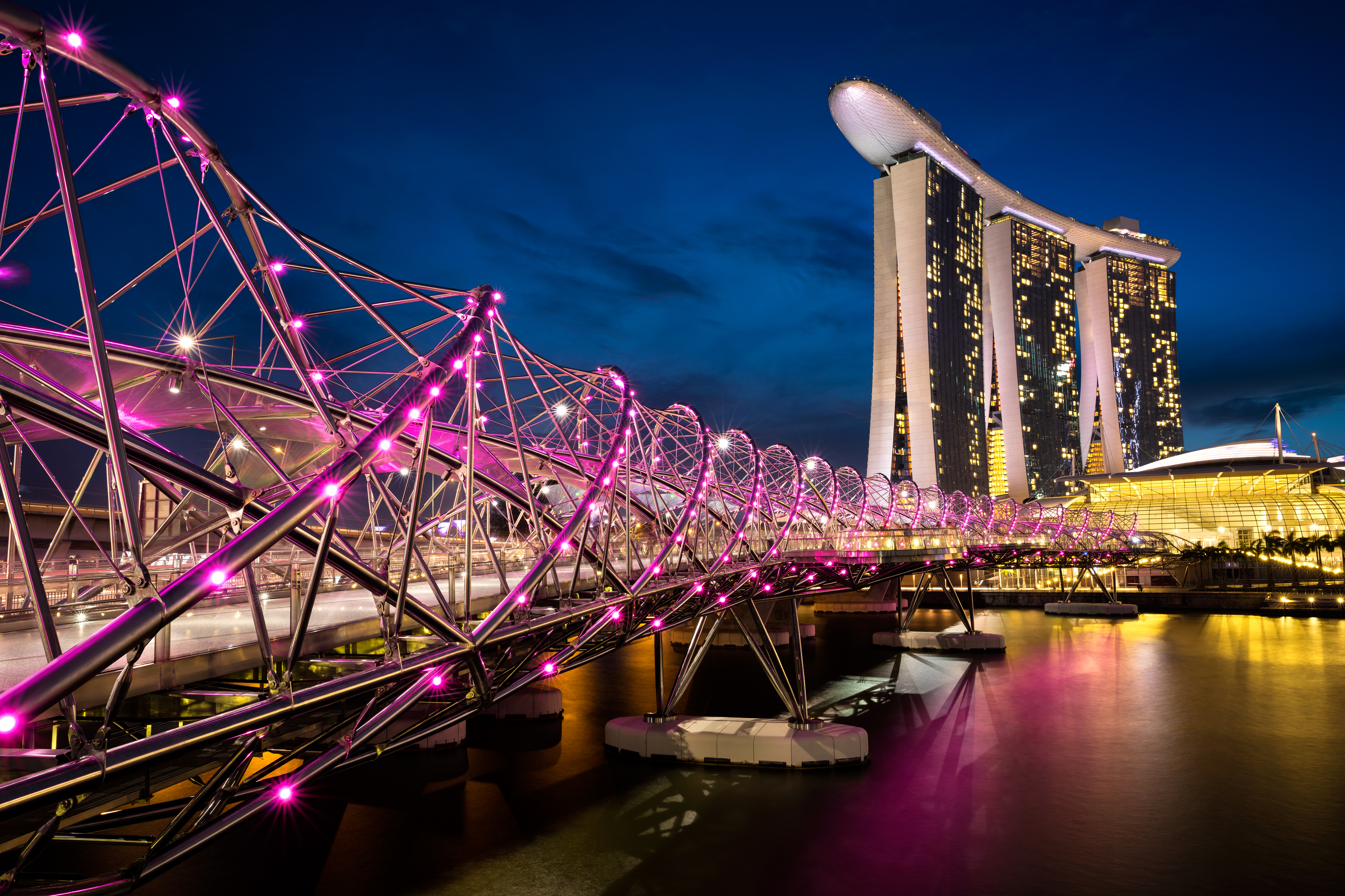 Singapore court clarifies maritime lien registration, rejects call for London arbitration