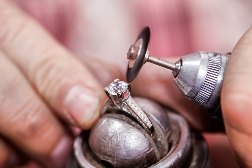 Diamond dealer files for Chapter 11 protection amid creditor bid to liquidate the company in Belgium