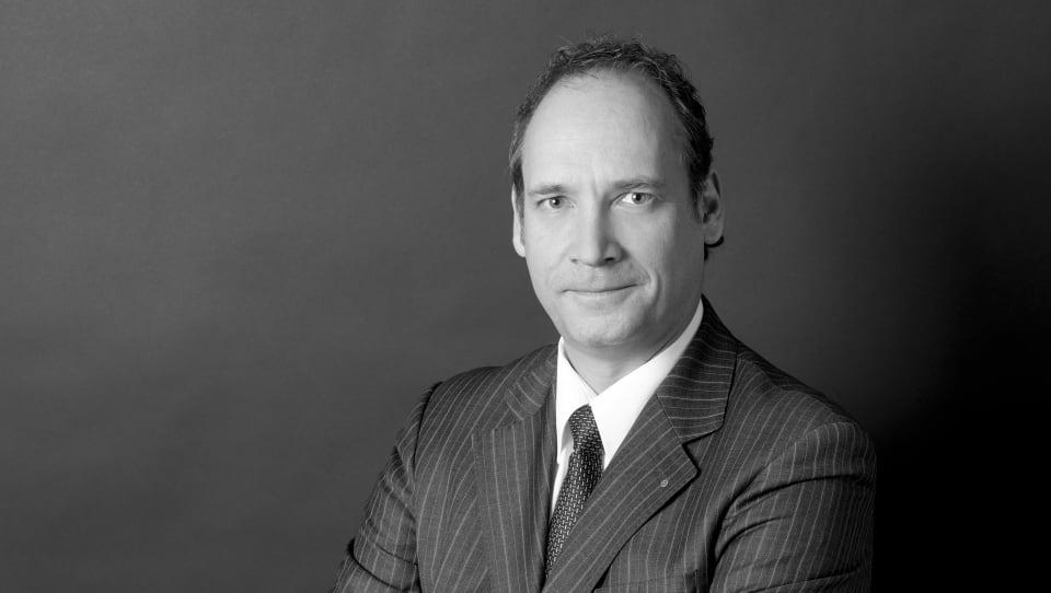 Adrian W Kammerer