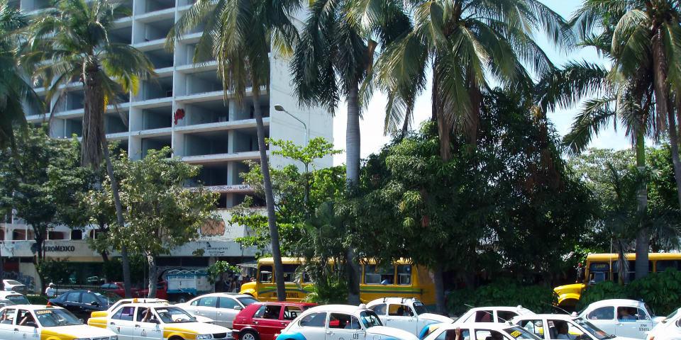 COFECE: open the door to taxi services