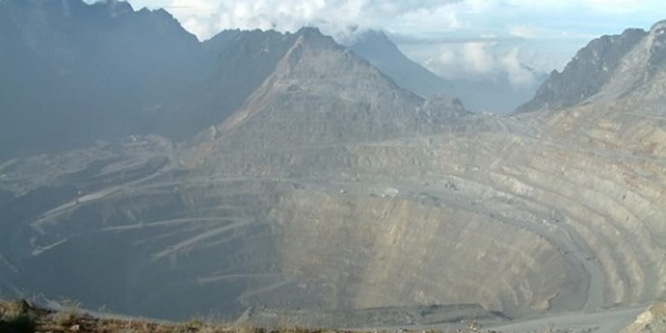 Indonesia threatened with copper mining claim