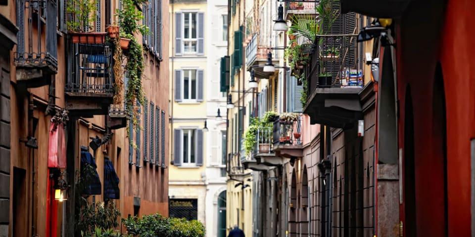 Italians move to reform law