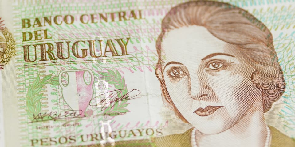 Cleary, Guyer and Shearman in Uruguay sovereign issuance