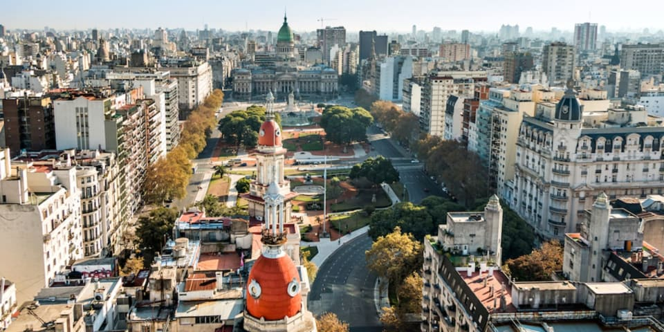Argentine banks agree to sell Visa card issuer