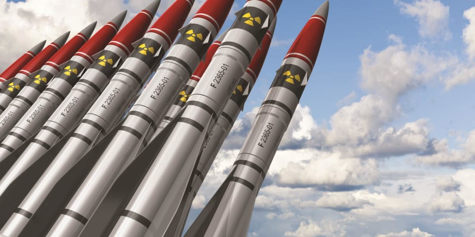 Averting the apocalypse: how arbitrators should respond to nuclear and climate change threats