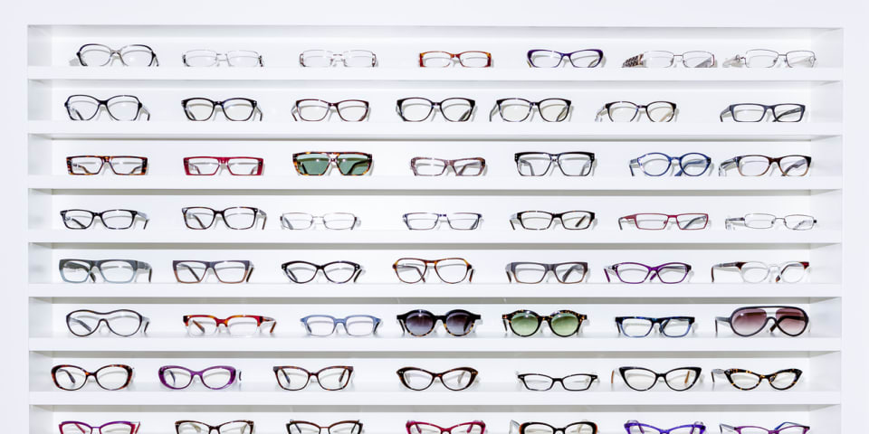 Singapore takes Essilor/Luxottica to Phase II