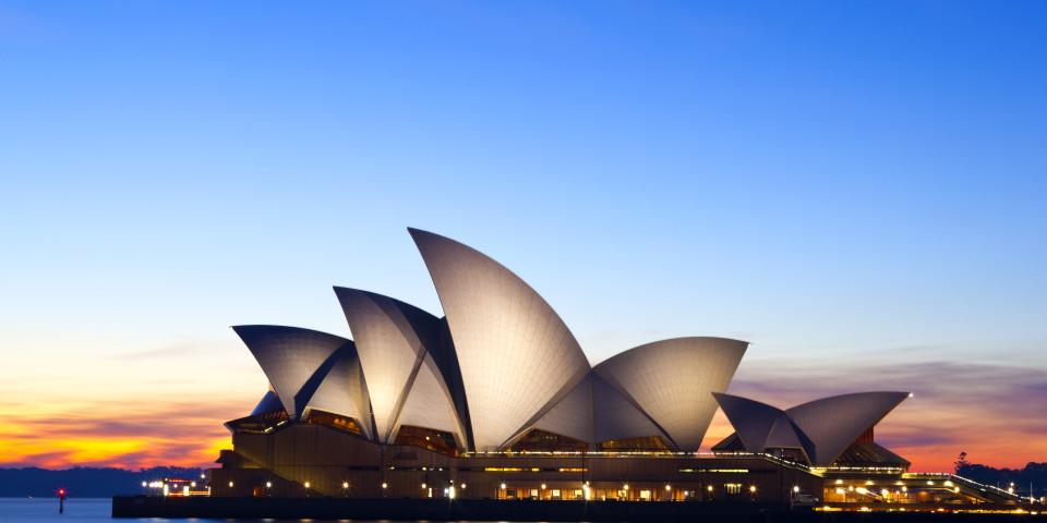 Norton Rose Fulbright announces further merger, with Australia's Henry Davis York