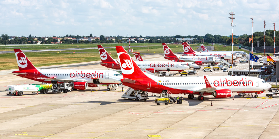 Rivals circle Air Berlin after insolvency filing