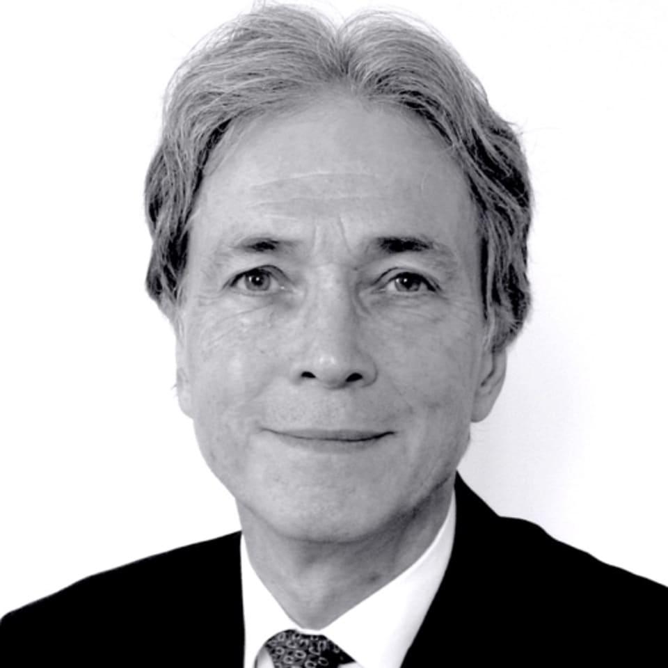 David J Howell