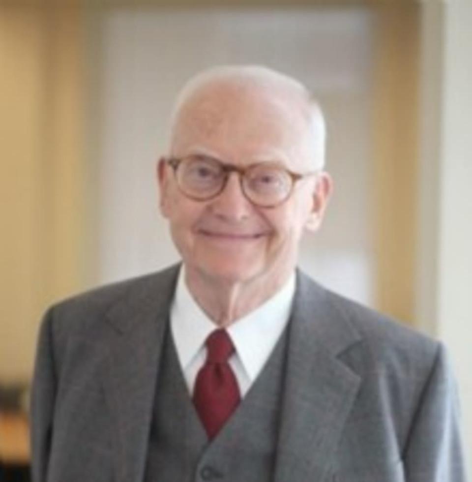 Stephen M Schwebel