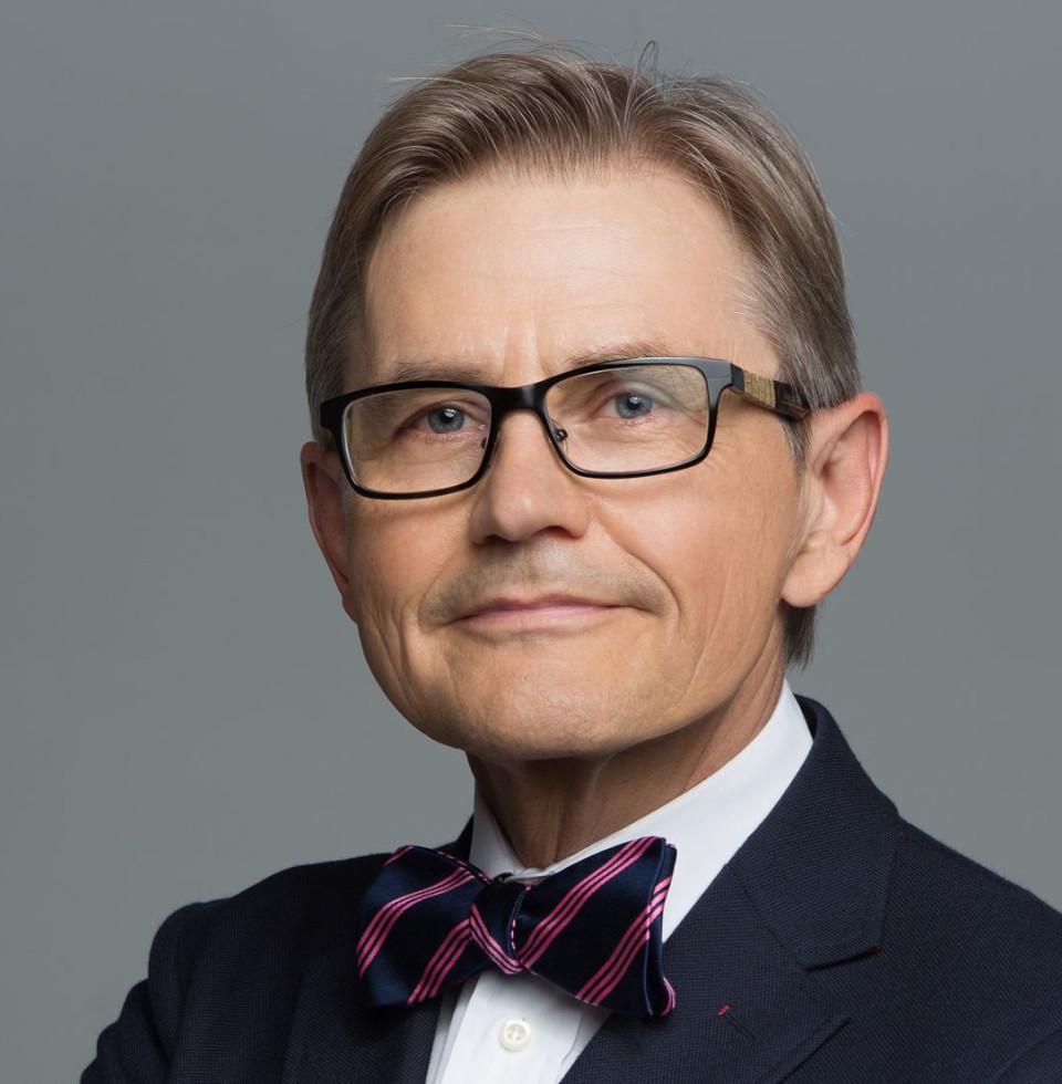 Victor P Leginsky