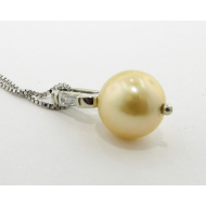 Golden Pearl Diamond White Gold Pendant