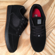 Accel Slim Black